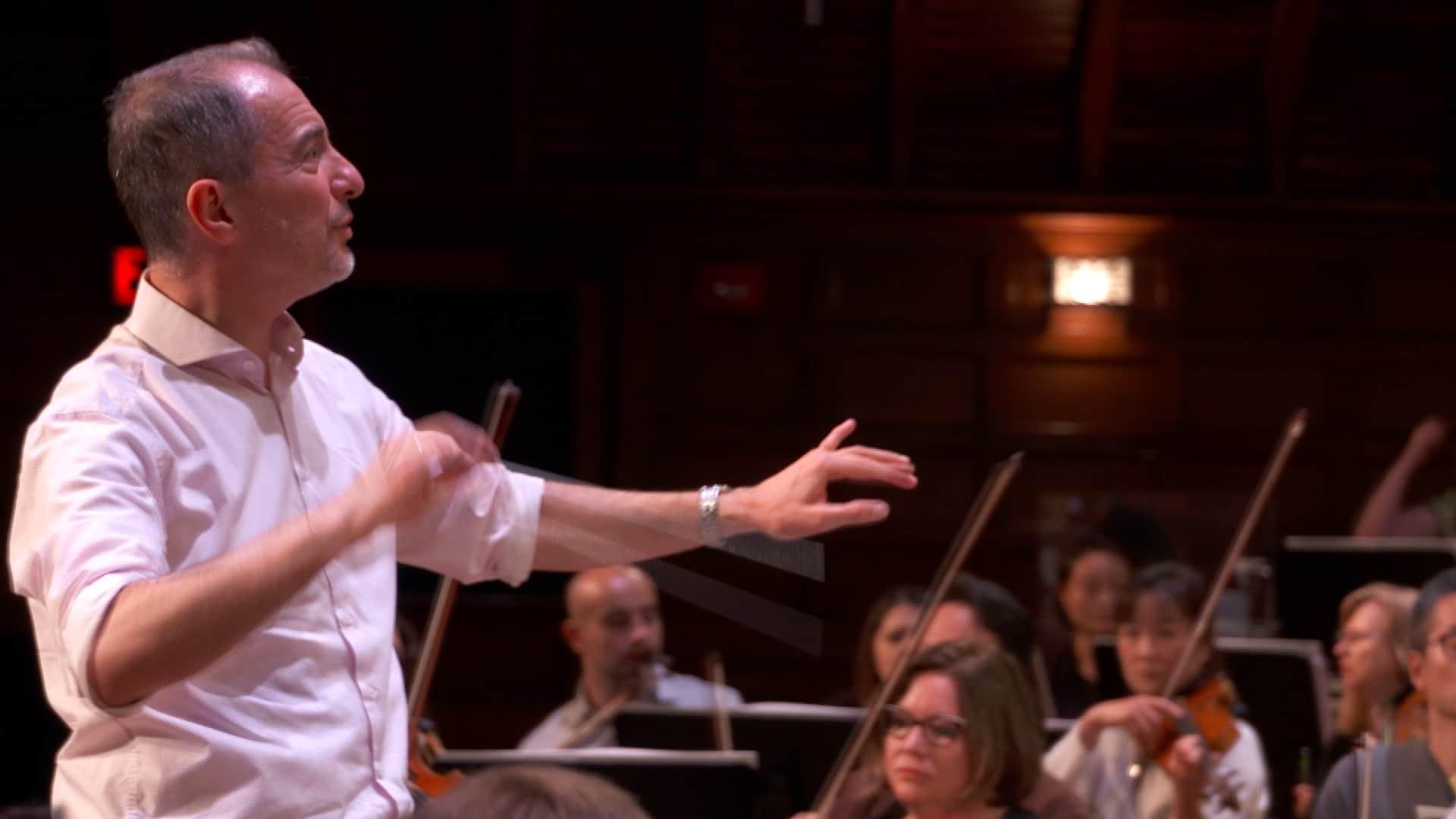 Rossen Milanov rehearses Bernstein with PSO