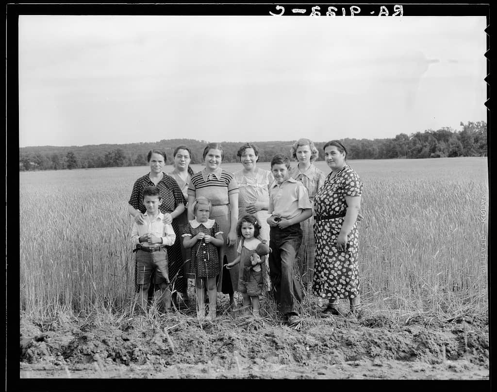 Wives and children of the cooperative farm homesteaders, 1936.